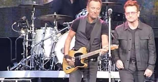 "Bruce Springsteen e Bono cantano ""Because the Night"" a Dublino"