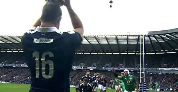 Scozia brillante batte Irlanda a Edimburgo 27-22