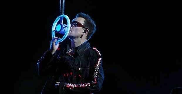 Bono durante un concerto